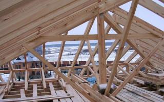 Преимуществах крыш с деревянными дощатыми стропилами